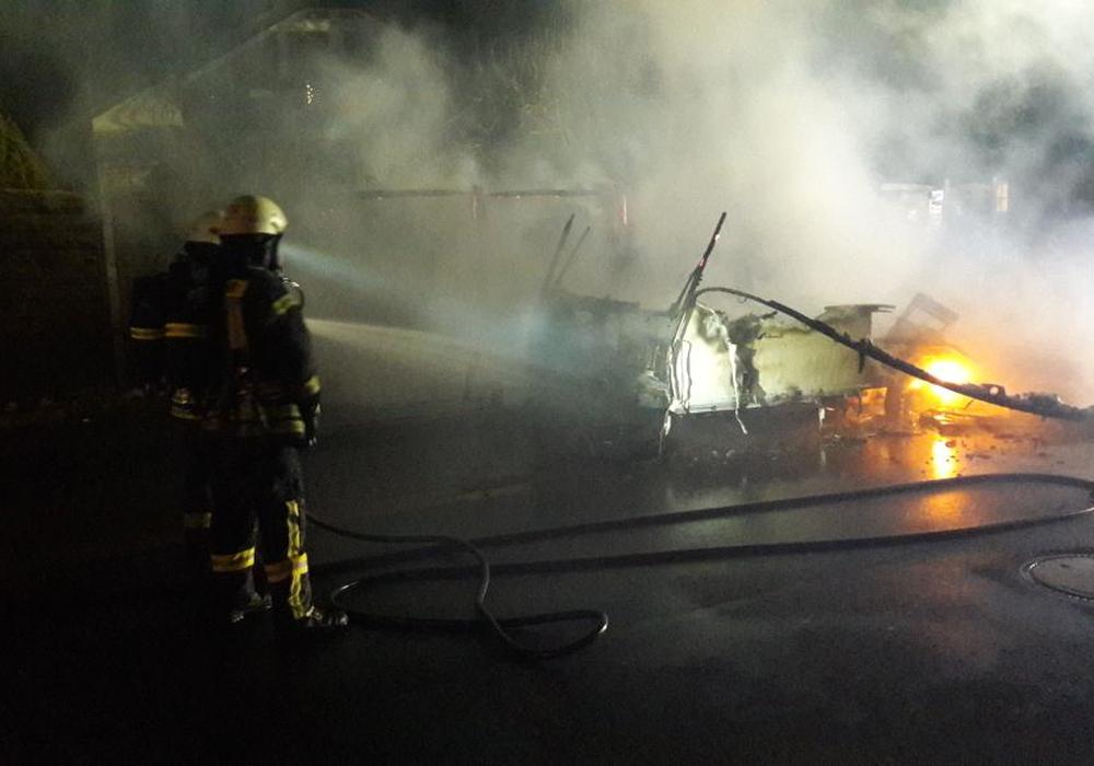 """Brandstiftung sei """"offensichtlich"""". Foto: Feuerwehr Wolfenbüttel"""