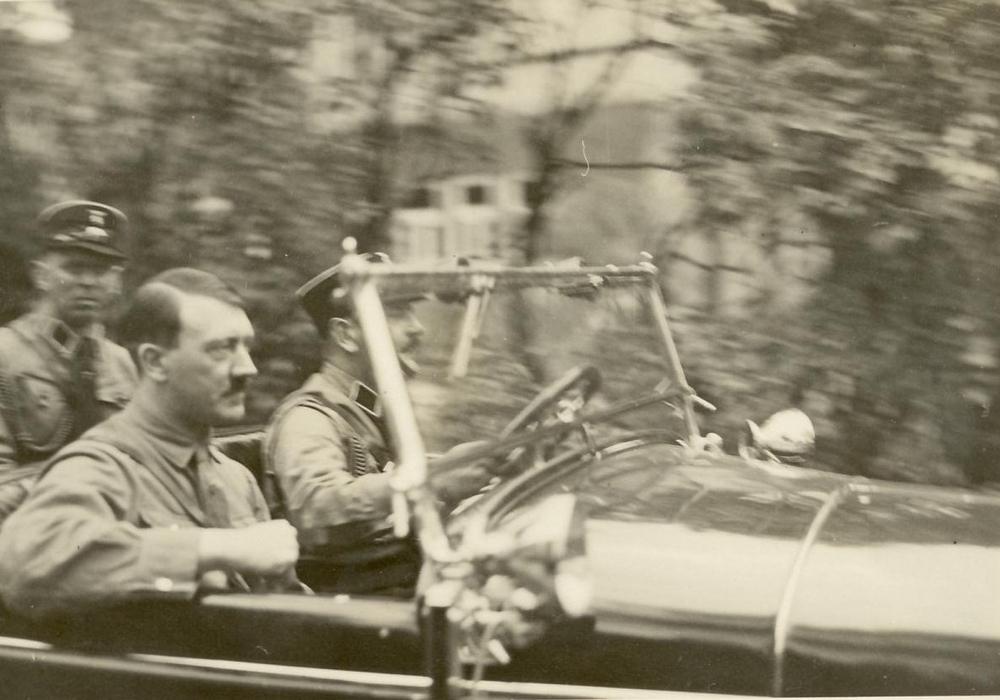 Adolf Hitler auf dem Weg nach Harzburg 1931. Foto: Museum Wolfenbüttel