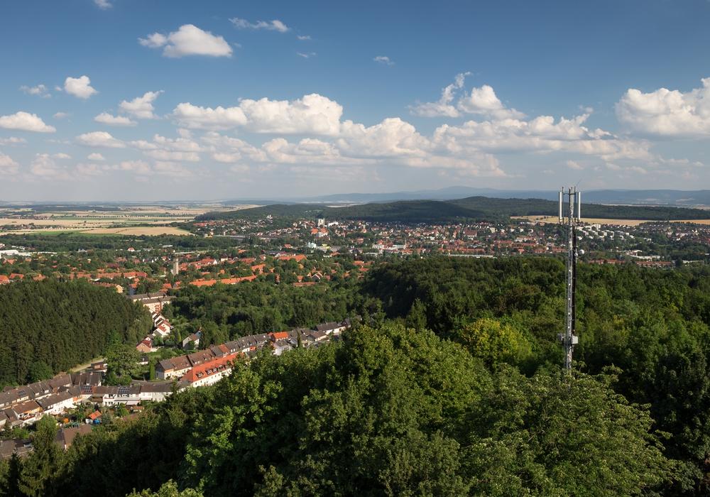 Viele Freiwillige helfen, die Landschaft sauber zu machen. Foto: Stadt Salzgitter