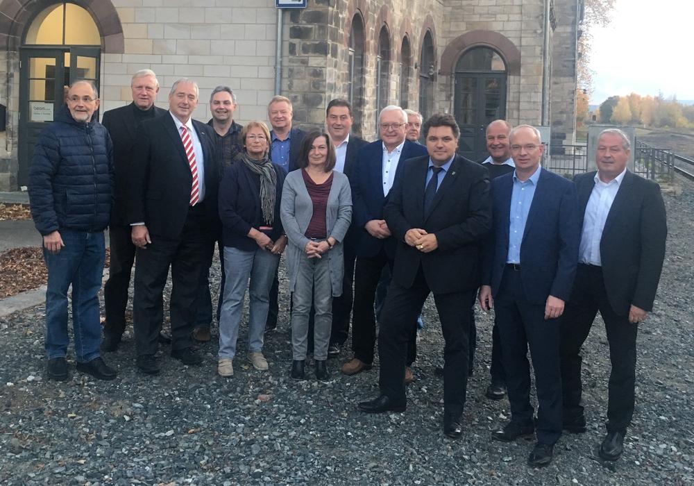 Teilnehmer der Jahrestagung mit Marc Lohmann (2. v. re.), Uwe Lagosky (7. v. re.) sowie Frank Oesterhelweg, MdL (3. v. li.). Foto: CDU-Kreistagsfraktion