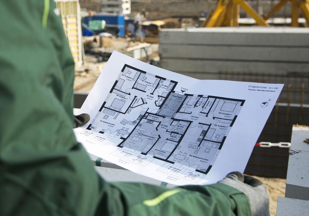 Ein guter Plan fürs Haus ist immer auch ein guter Plan, um die Mieten in Schach zu halten. Denn gegen steigende Mieten hilft nur eins: bauen, bauen, bauen ... – Und das könnte eigentlich viel besser laufen, meinen Bau-Gewerkschaft und Bau-Branche. Foto: William Diller