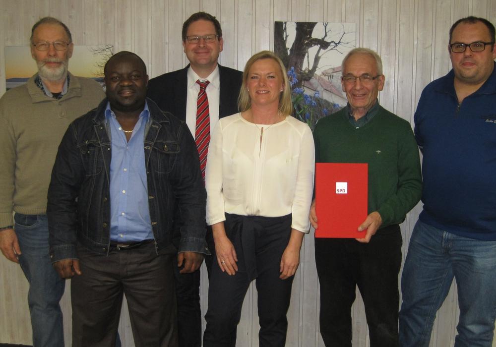 In der jüngsten Mitgliederversammlung des SPD Ortsverein Evessen standen Ehrungen auf der Tagesordnung. Foto: privat
