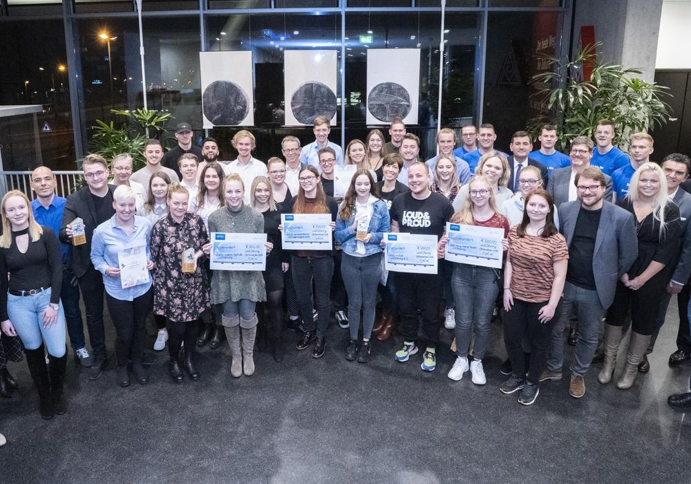 Gruppenfoto aller Preisträger und Jury. Foto: Volkswagen AG/knoth fotografie
