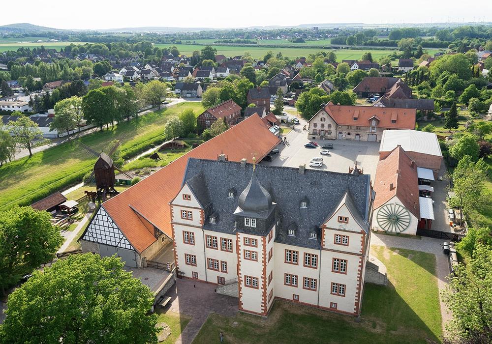Im Schloss Salder gibt es interessante Ausstellungen. Foto: Stadt Salzgitter/Andre Kugelis