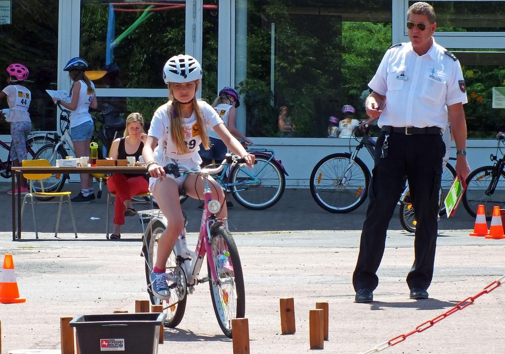 Mia Magdalen Janek bei ihrer Fahrt zur Goldmedaille. Foto: Achim Klaffehn