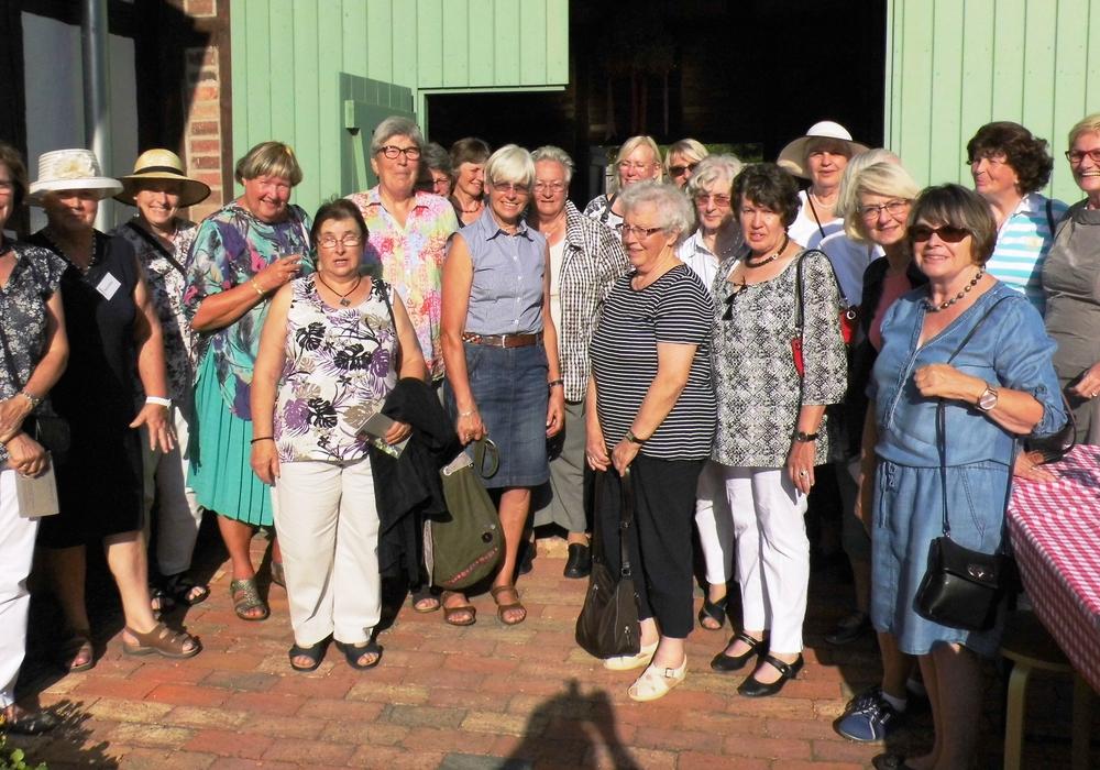 Die Landfrauen aus Salzgitter während ihres Besuches im Gärtnermuseum. Foto: Privat