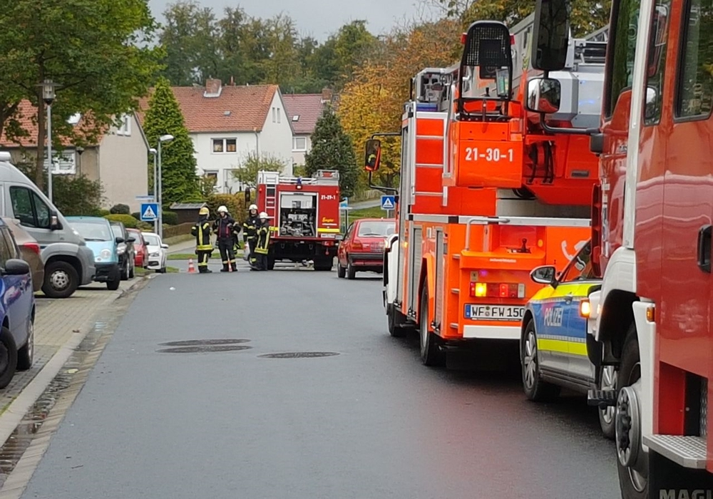 Ein angebranntes Essen sorgte für den Einsatz in der Ernst-Moritz-Arndt-Straße. Fotos: Feuerwehr Wolfenbüttel