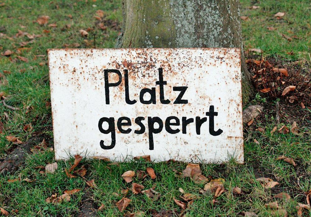 Die Rasenplätze in Braunschweig bleiben aufgrund der Witterung weiter gesperrt. Foto:  Frank Vollmer