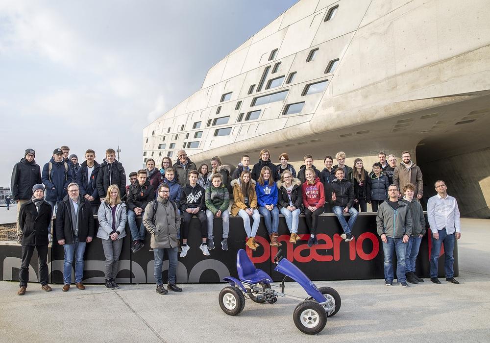 Sieben Teams von weiterführenden Schulen aus Wolfsburg und dem Umland haben sich für das AkkuRacer-Projekt angemeldet. Fotos: Stadt Wolfsburg