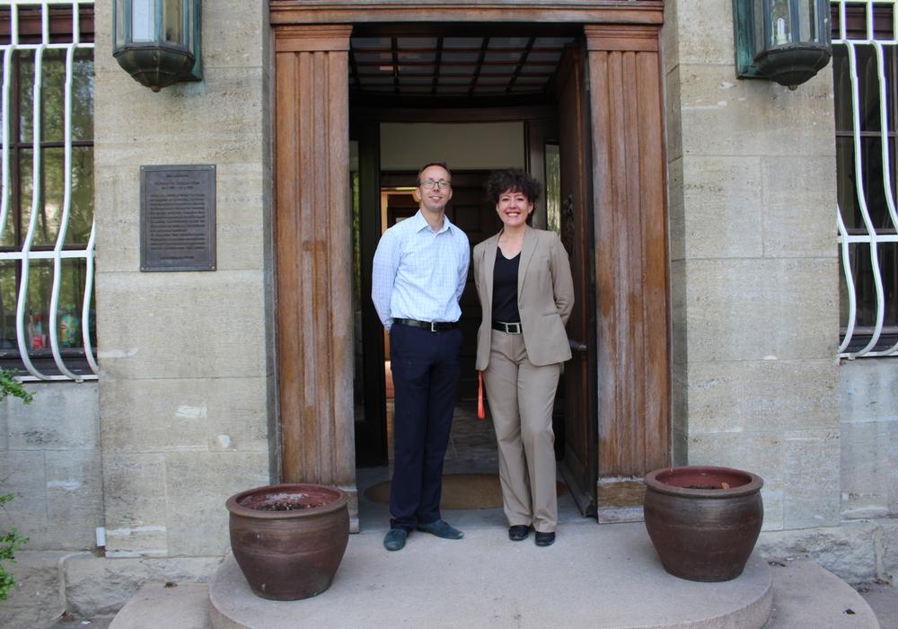 Investor Florian Oswin Hary und Direktorin Susan Alisch sind zuversichtlich, im September die ersten Gäste begrüßen zu können. Fotos: Alexander Dontscheff