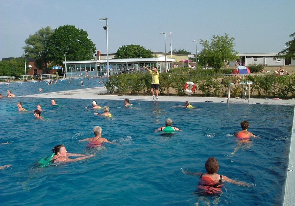 Das Freibad Fallersleben soll in diesem Jahr als erstes seine Tore öffnen. Foto: Stadt Wolfsburg