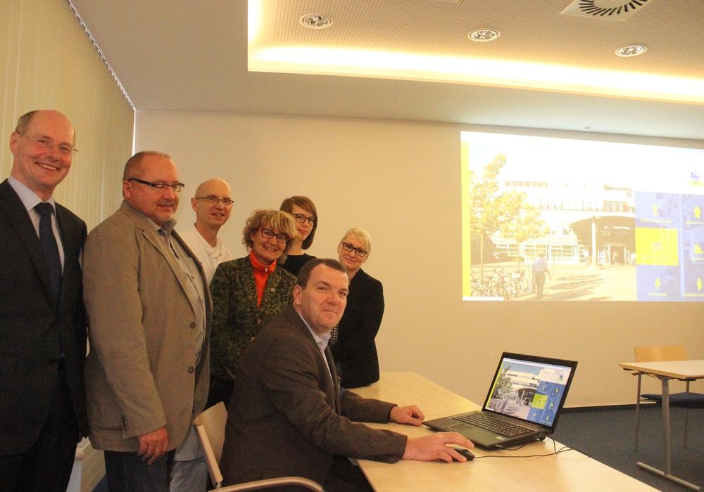 Am Freitag wurde die neue Internetpräsenz des Klinikums vorgestellt. Foto: Anke Donner