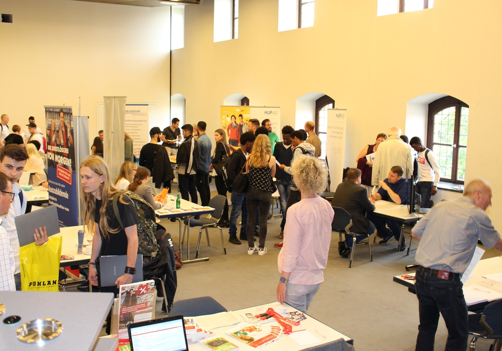 Schüler informierten sich über 29 verschiedene Ausbildungsplätze. Foto: Max Förster