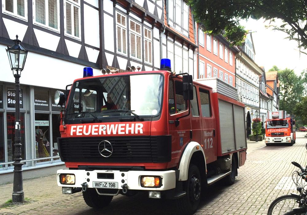 Die Freiwillige Feuerwehr Wolfenbütte war am heutigen Samstagmittag im Großen Zimmerhof im Einsatz. Foto: Werner Heise