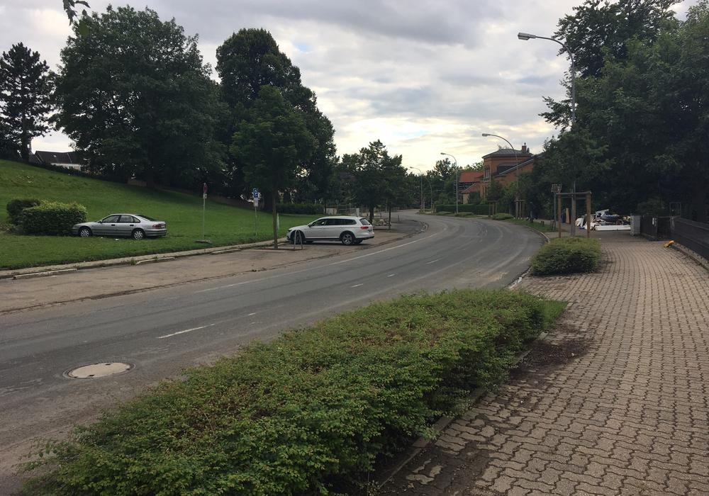 Bisher sind keine großen Schäden an Gehwegen und Straßen entstanden. Symbolfoto: Alexander Dontscheff