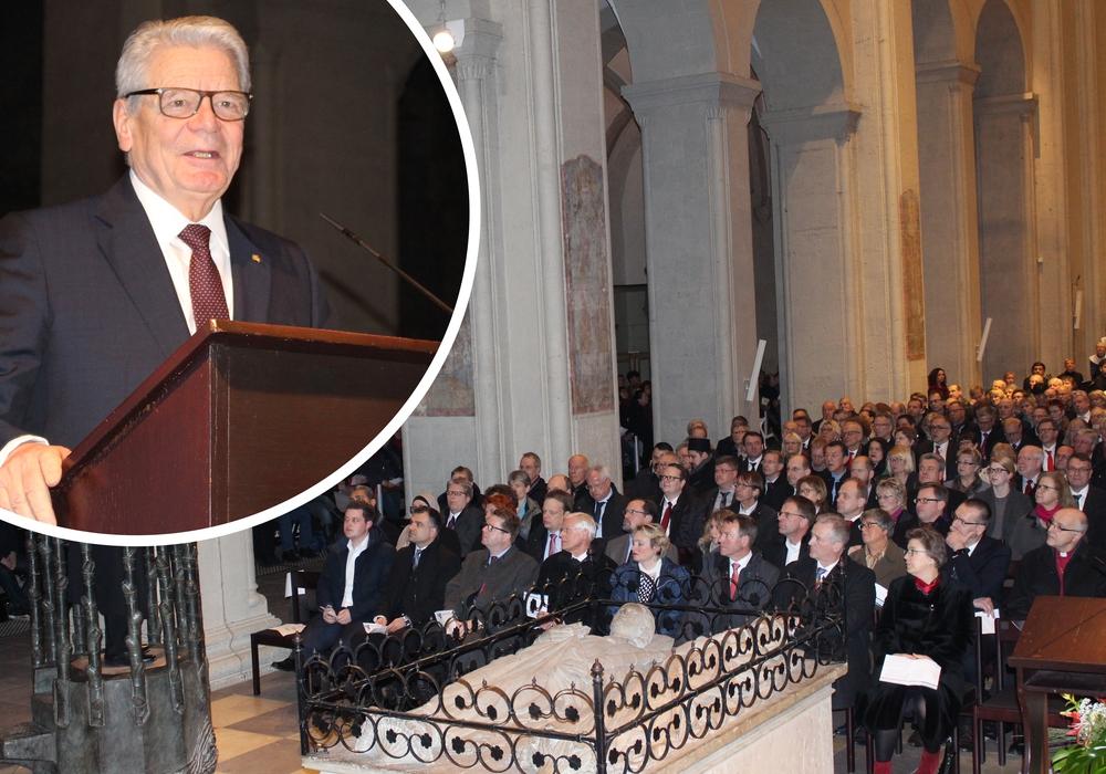 Joachim Gauck nahm die rund 1.000 Gäste mit auf eine politisch-kirchliche Zeitreise. Fotos: Nick Wenkel