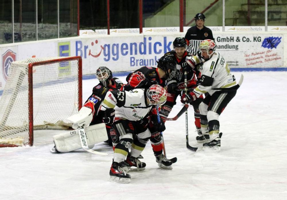 Können die Falken an den guten Start in die Qualifikationsrunde anknüpfen? Foto: Frank Neuendorf/Jahn Pictures