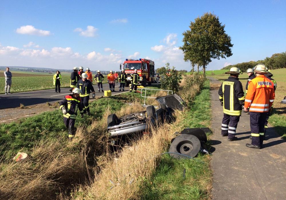Das Fahrzeug landete im Graben, Foto: Werner Heise