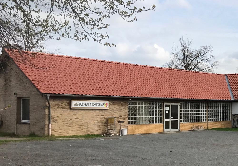 Das Dorfgemeinschaftshaus in Dorstadt muss dringend renoviert werden. Foto: Matzuga