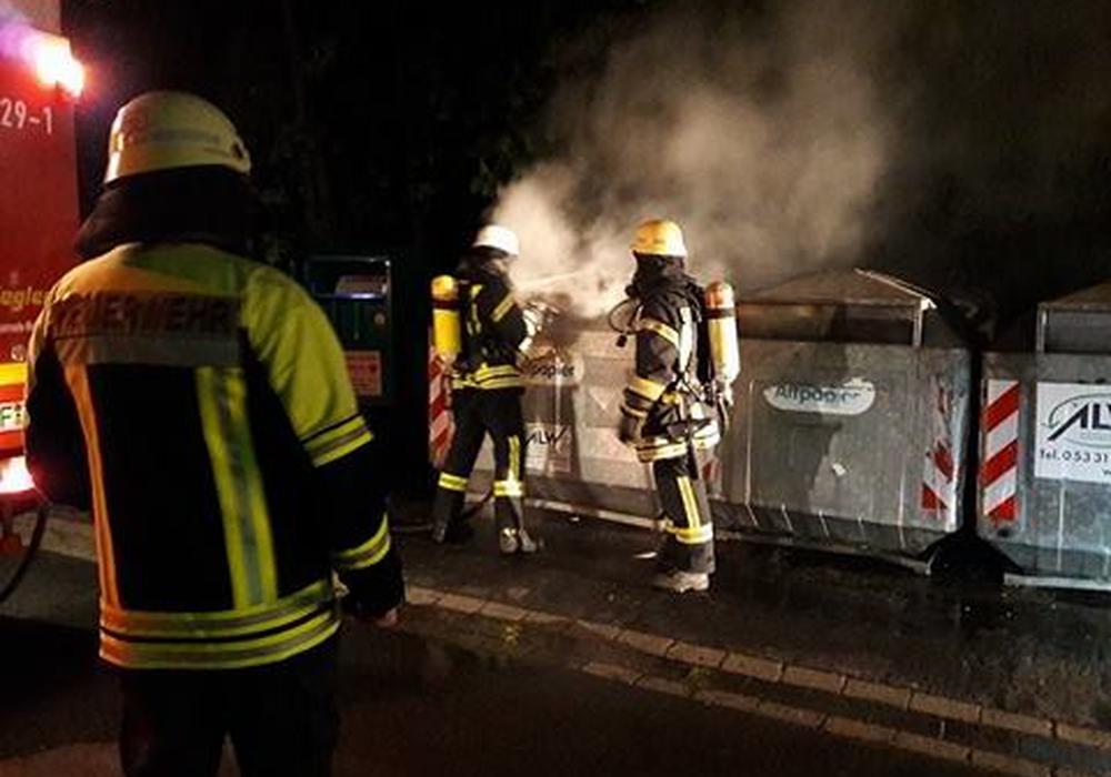"""Die Feuerwehr im Einsatz """"An der weißen Schanze"""". Fotos: Feuerwehr Wolfenbüttel"""