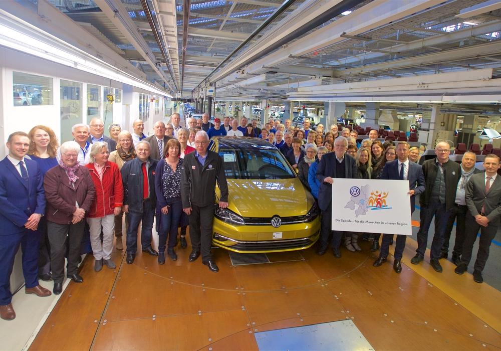 Übergabe der Volkswagen Belegschaftsspende über  21.000 Euro an elf Organisationen aus der Region. Foto: Volkswagen