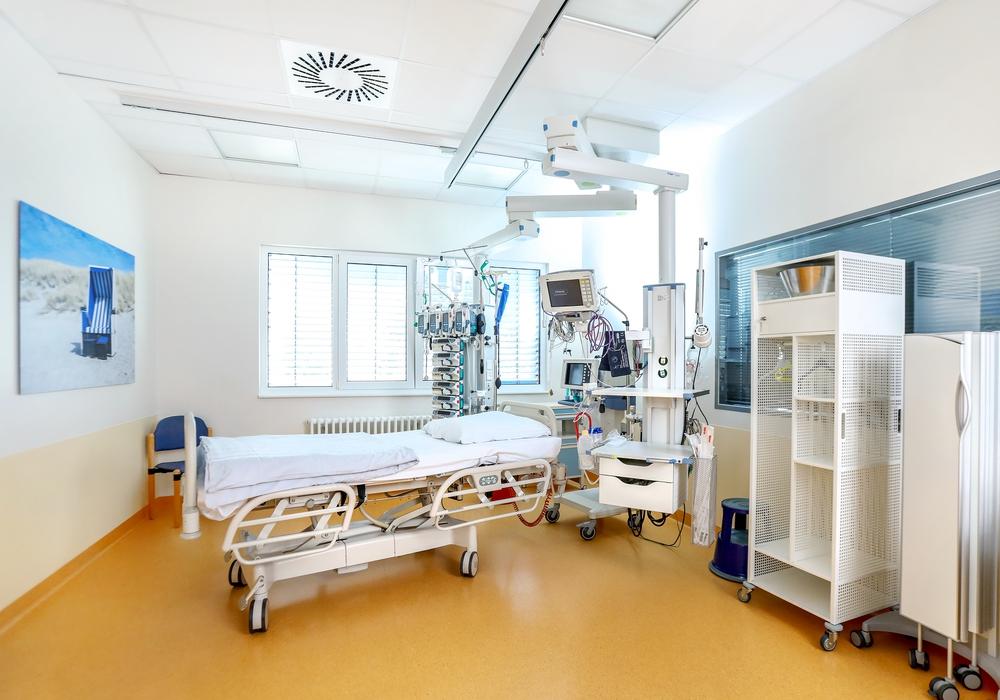 Die Station verfügt über viel Platz für die Versorgung intensivmedizinischen Patienten. Die Technik und auch der bauliche Teil sind auf dem modernsten Stand.   Foto: Helios Klinikum Salzgitter, Thomas Oberländer