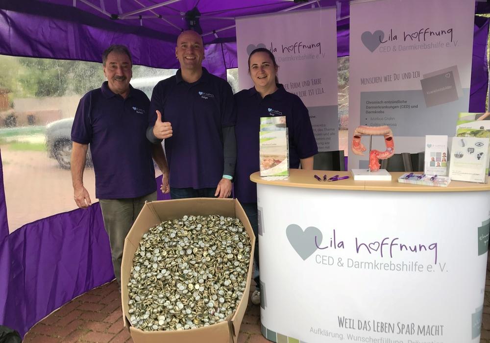 Lila Hoffnung sammelte in drei Monaten rund 400 Kilo Kronkorken. Fotos: Lila Hoffnung
