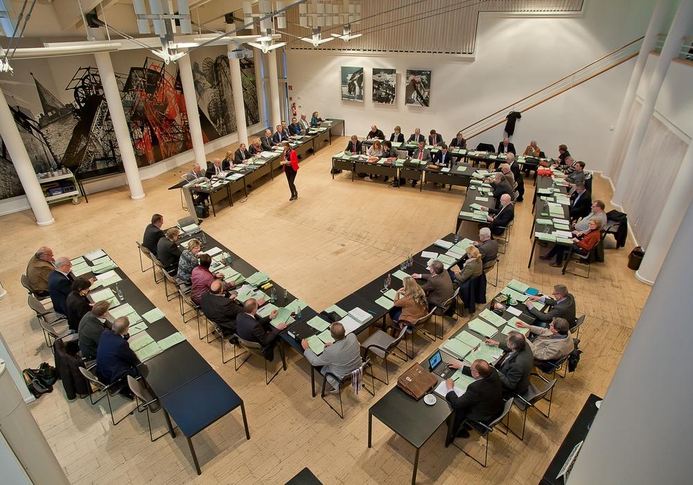 Um 16 Uhr kommt der Kreistag zu seiner Sitzung zusammen. Foto: Anke Donner