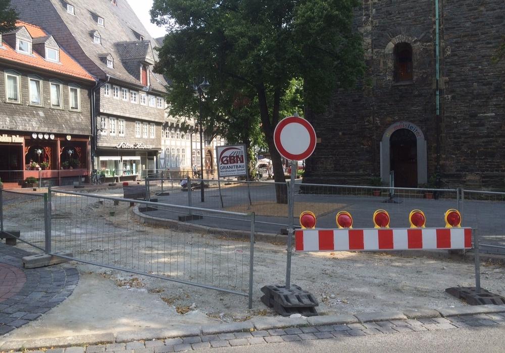 Die Baumaßnahmen an der Fußgängerzone gehen voran und sollen zum Ende des Jahres abgeschlossen sein. Foto: Anke Donner