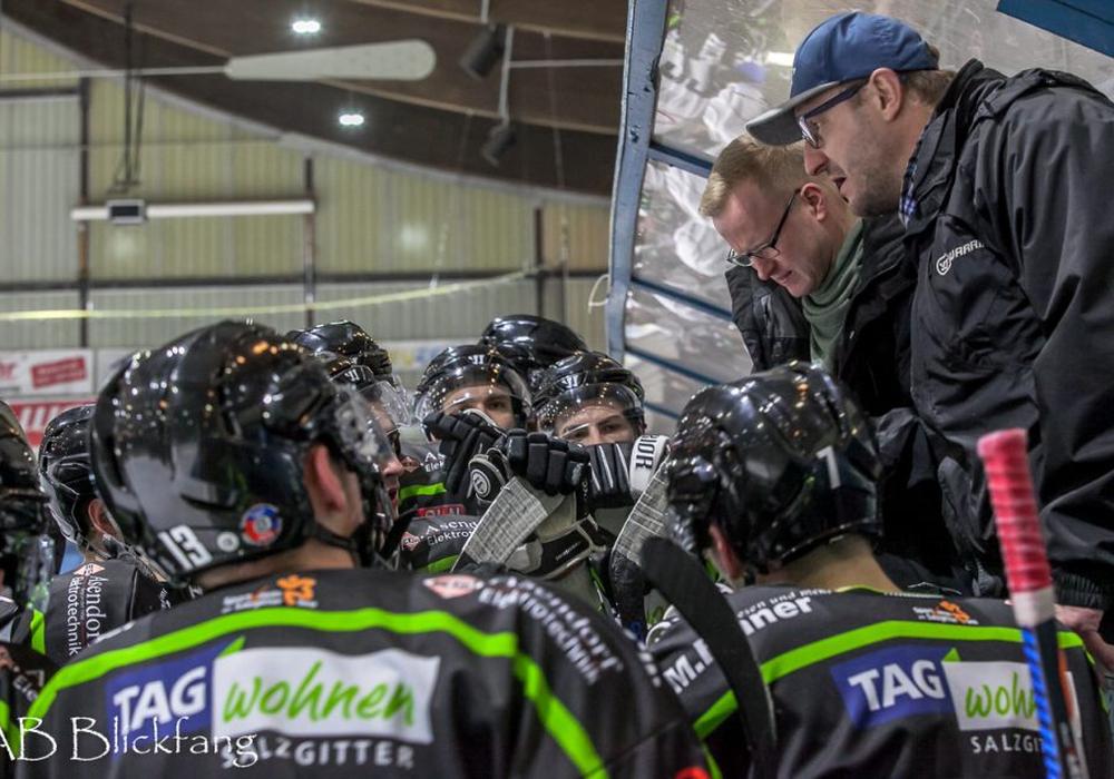 Der Coach und sein Team sind bereit. Foto: AB-Blickfang