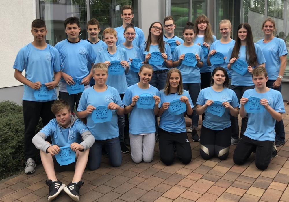 Die erfolgreichen Schwimmerinnen und Schwimmer des CvD. Foto: Elternverein des Christian-von-Dohm-Gymnasiums e.V.
