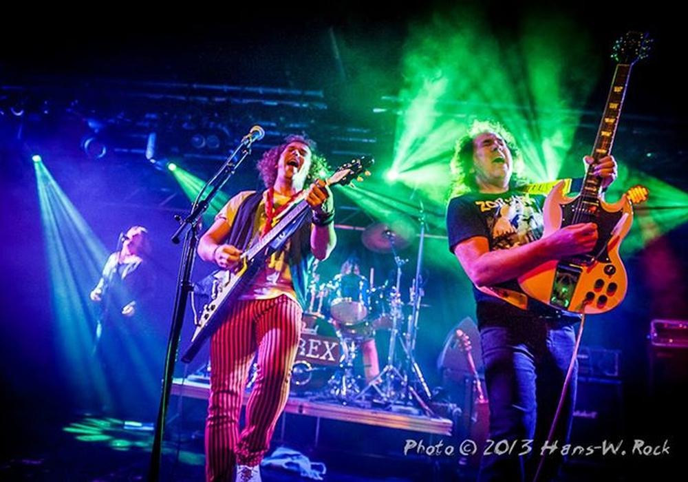 Die Gruppe T.Rex heizt mit ihren Gitarrensounds ein. Fotos: Privat