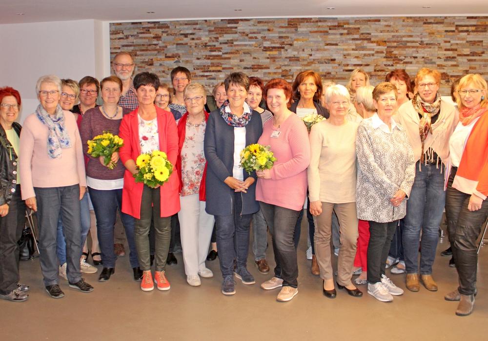 Zur Feierstunde kamen die Mitglieder, Initiatoren und Wegbegleiter in der Cafeteria des Städtischen Klinikums zusammen. Foto: Städtisches Klinikum