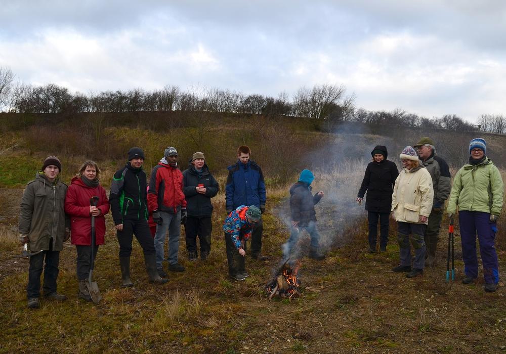 Die Kreisgruppe des Naturschutzbund (NABU) Wolfenbüttel hatte seine Mitglieder zu einem Biotoppflegeeinsatz eingeladen. Fotos: Cornelia Schilling