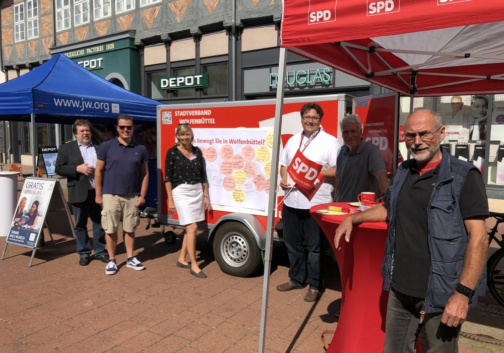 Die SPD war mit ihrem Bürgerbüro in der Innenstadt. Foto: SPD