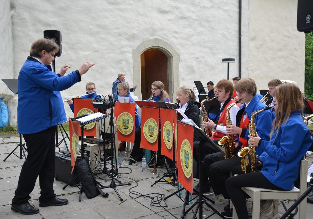 Der Musikverein Edemissen sorgte für flotte Rhythmen. Foto: Privat