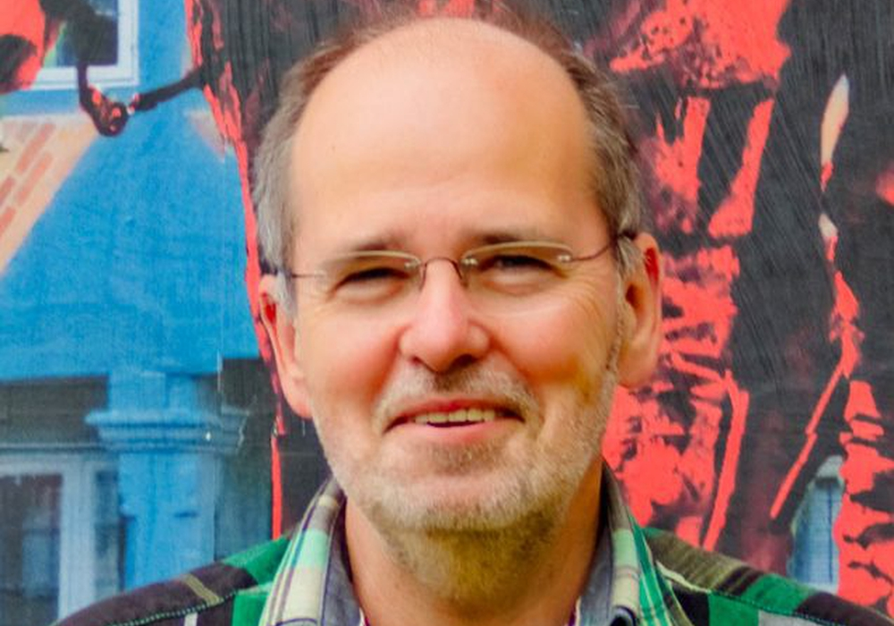 Linken-Fraktionsvorsitzender Arnfred Stoppok freut sich über die Umsetzung des Sozialtickets als Monatskarte. Foto: privat