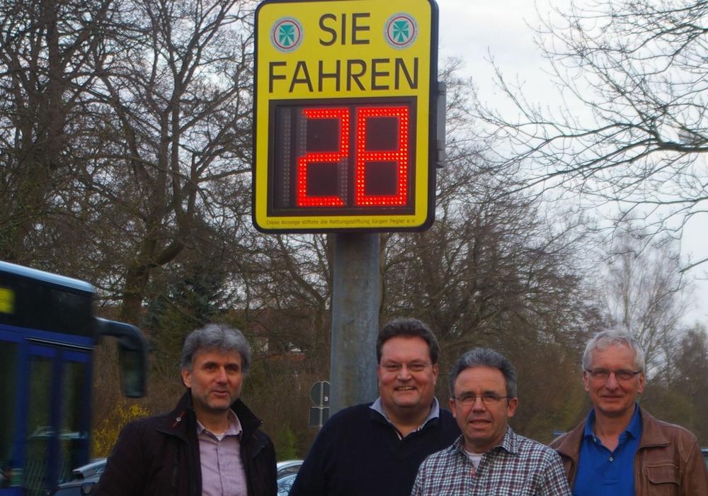 Die Grünen in Sickte möchten Anlagen zur Geschwindigkeitsanzeige beschaffen (von links): Karsten Gehrke, Michael Boos, Karlheinz Pfeiff, Holger Barkhau. Foto: Privat