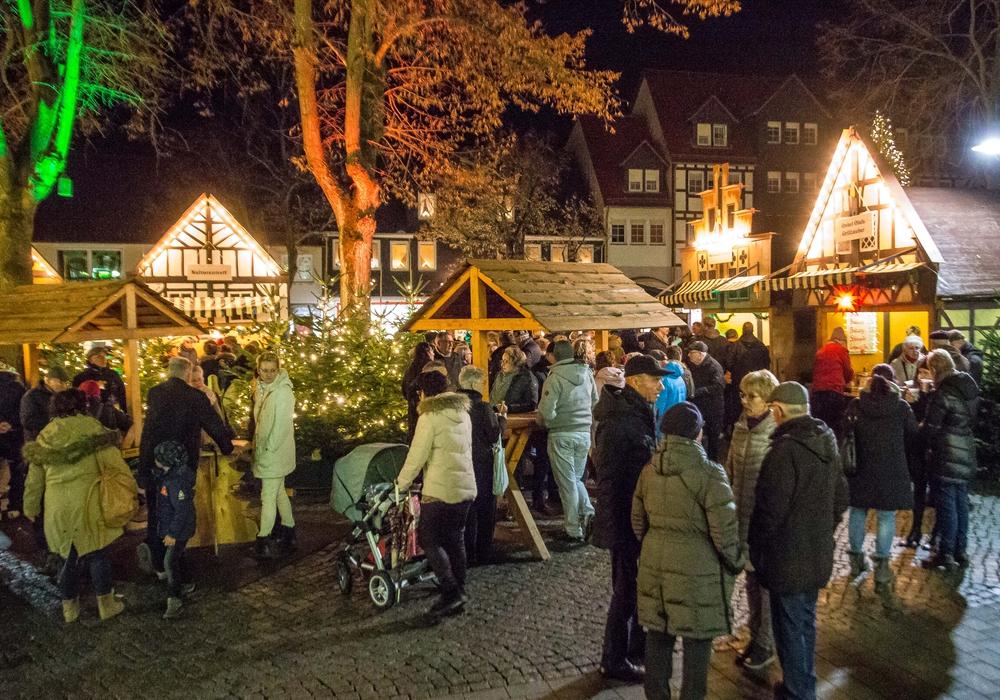 Der Weihnachtstreff in Salzgitter-Bad hat bis zum 23. Dezember täglich von 16 bis 21 Uht geöffnet. Fotos: Rudolf Karliczek