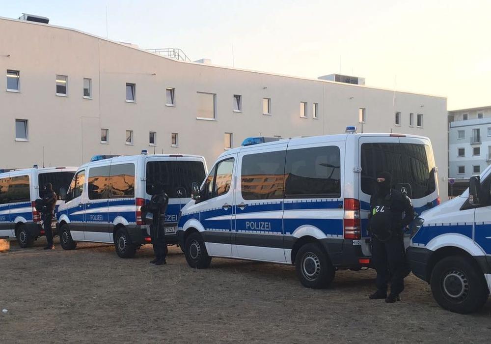 Die Polizei hat den Bereich großräumig abgesperrt. Foto: Aktuell24 (BM)