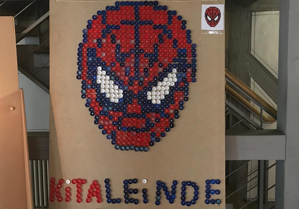Eine Spider-Man-Figur soll nun Geld für Hochwasser-Opfer bringen. Foto: Raedelin