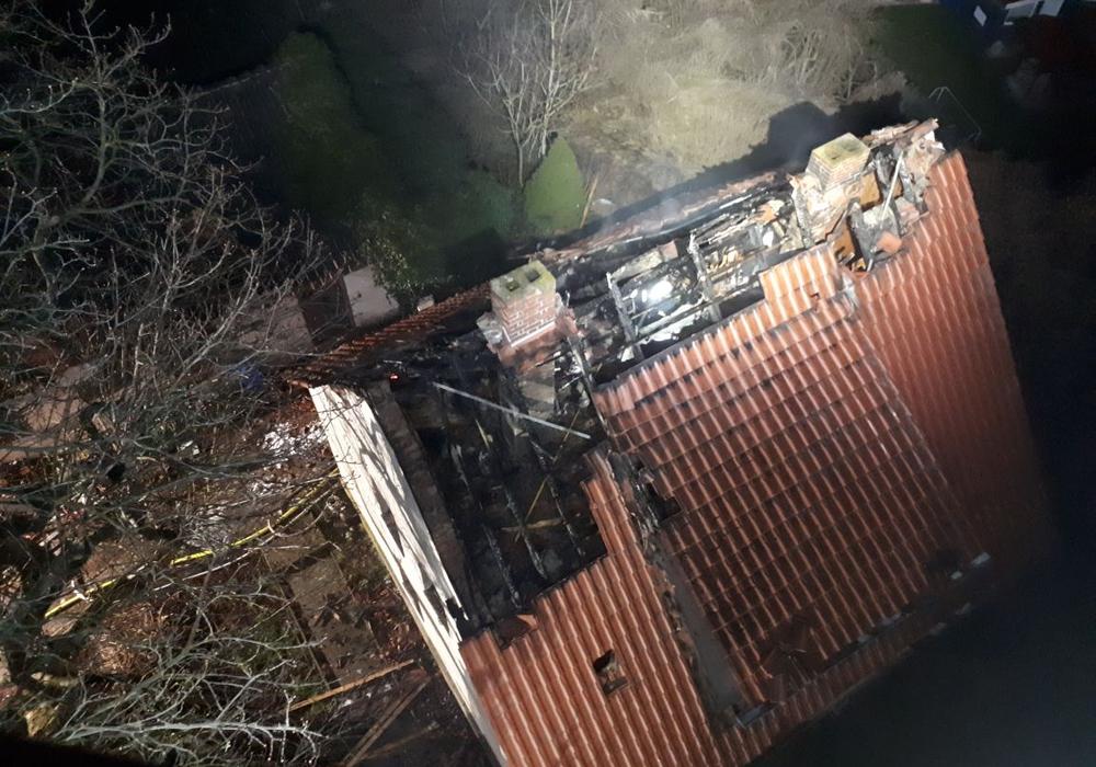 Nach dem Brand in einem unbewohnten Haus in Helmstedt geht die Polizei nun von Brandstiftung aus. Foto: Feuerwehr