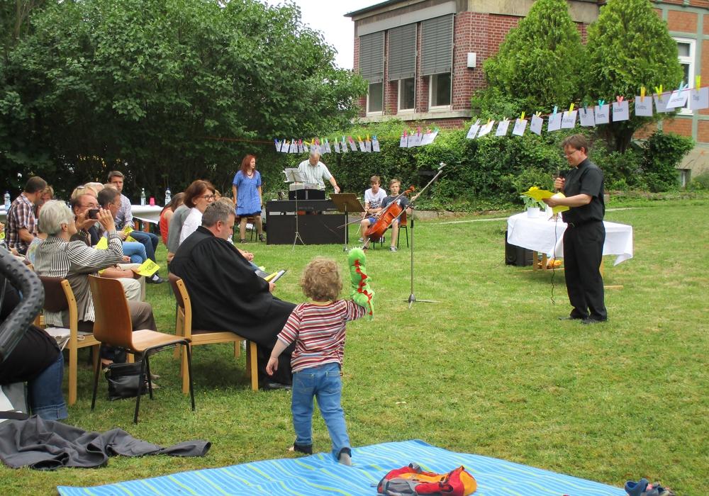 Wie im Vorjahr findet am Sonntag ein Gottesdienst im Grünen statt. Foto: Kirchengemeinde  St. Marien und St. Trinitatis
