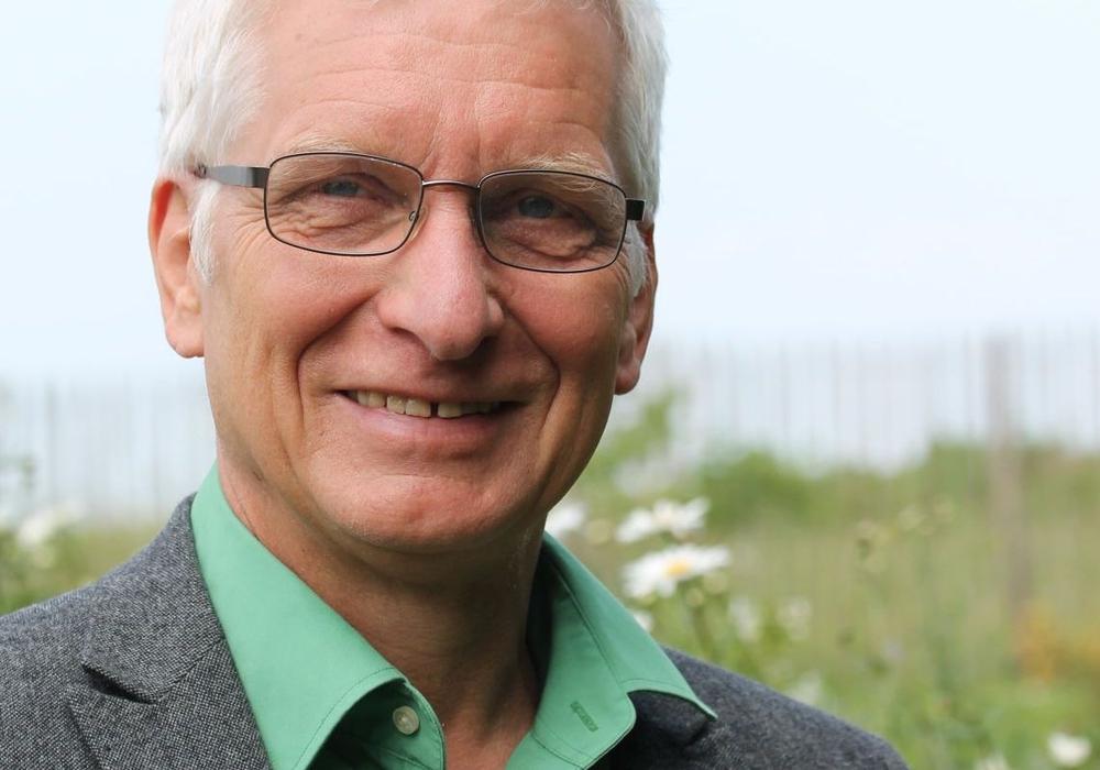 Holger Barkhau macht für die Kreistagsfraktion Bündnis 90 /Die Grüne  deutlich, dass sie sich von der Dienstaufsichtsbeschwerde gegen die Landrätin distanzieren. Foto: Privat