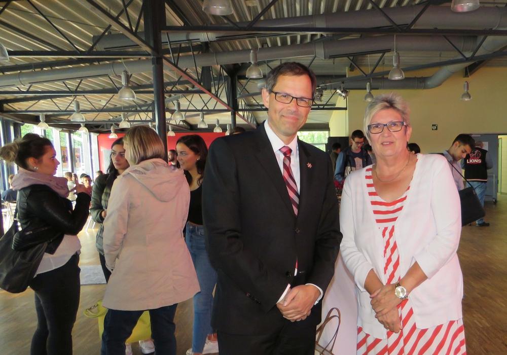 Knut Foraita und Prof. Dr. Rosemarie Karger. Foto: Ostfalia