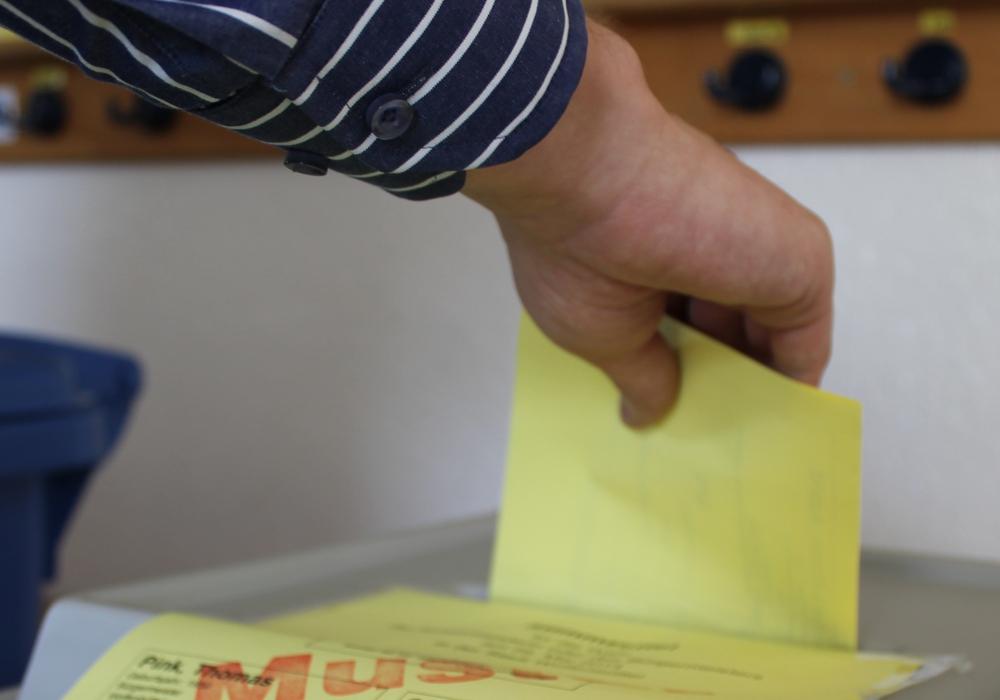 Insgesamt werden 27 verschiedene Stimmzettel für Braunschweigs Kommunalwahlen hergestellt. Symbolfoto: Archiv