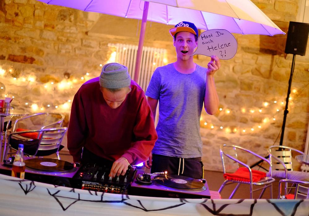 Constantin Kopp und Jonas Kirsch legen unter anderem am Samstag im Kulturcafe auf. Foto: Pferdestall Kulturcafe