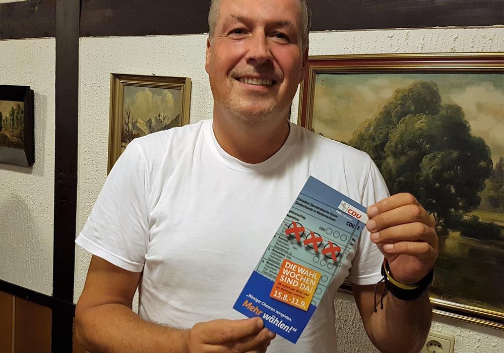 """Der Vorsitzende der Kommunalpolitischen Vereinigung im Landkreis Wolfenbüttel, Andreas Glier, freut sich über den Aktionsstart """"Die Wahlwochen sind da!"""" Foto: CDU"""