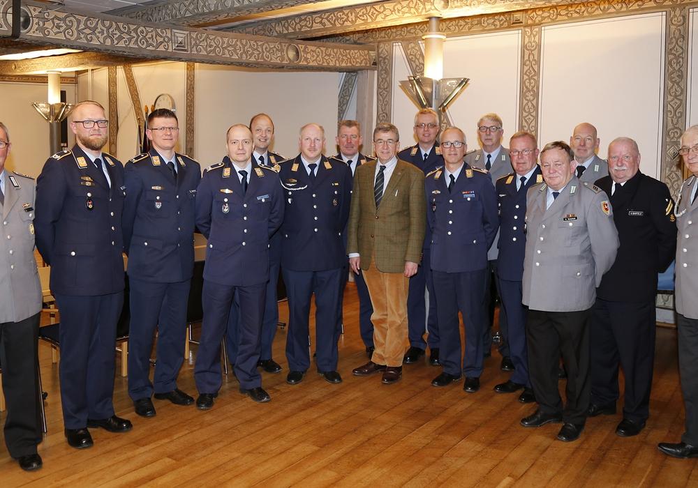 Bürgermeister Thomas Pink empfing die Luftwaffenoffiziere im Rathaus. Foto: Privat