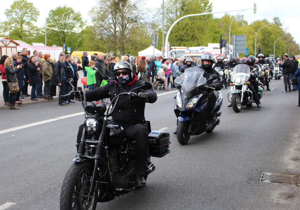 Am Samstag werden sich wieder unzähliger Biker auf den Weg von Salzgitter nach Braunschweig machen, um derUnfallopfer der vergangenen Saison zu gedenken. Foto: Archiv/Frederick Becker